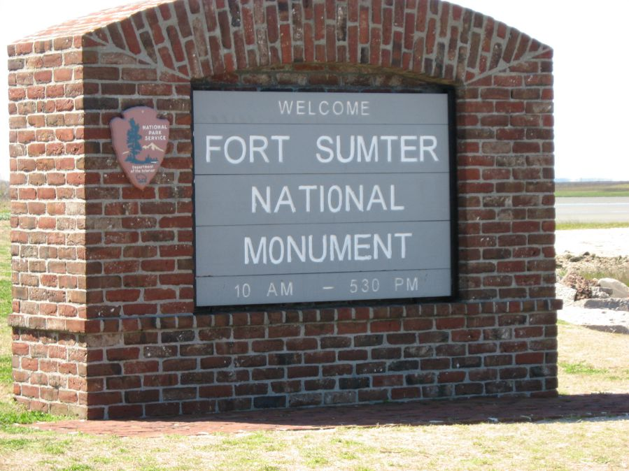 Fort-Sumter-Welcome-sign